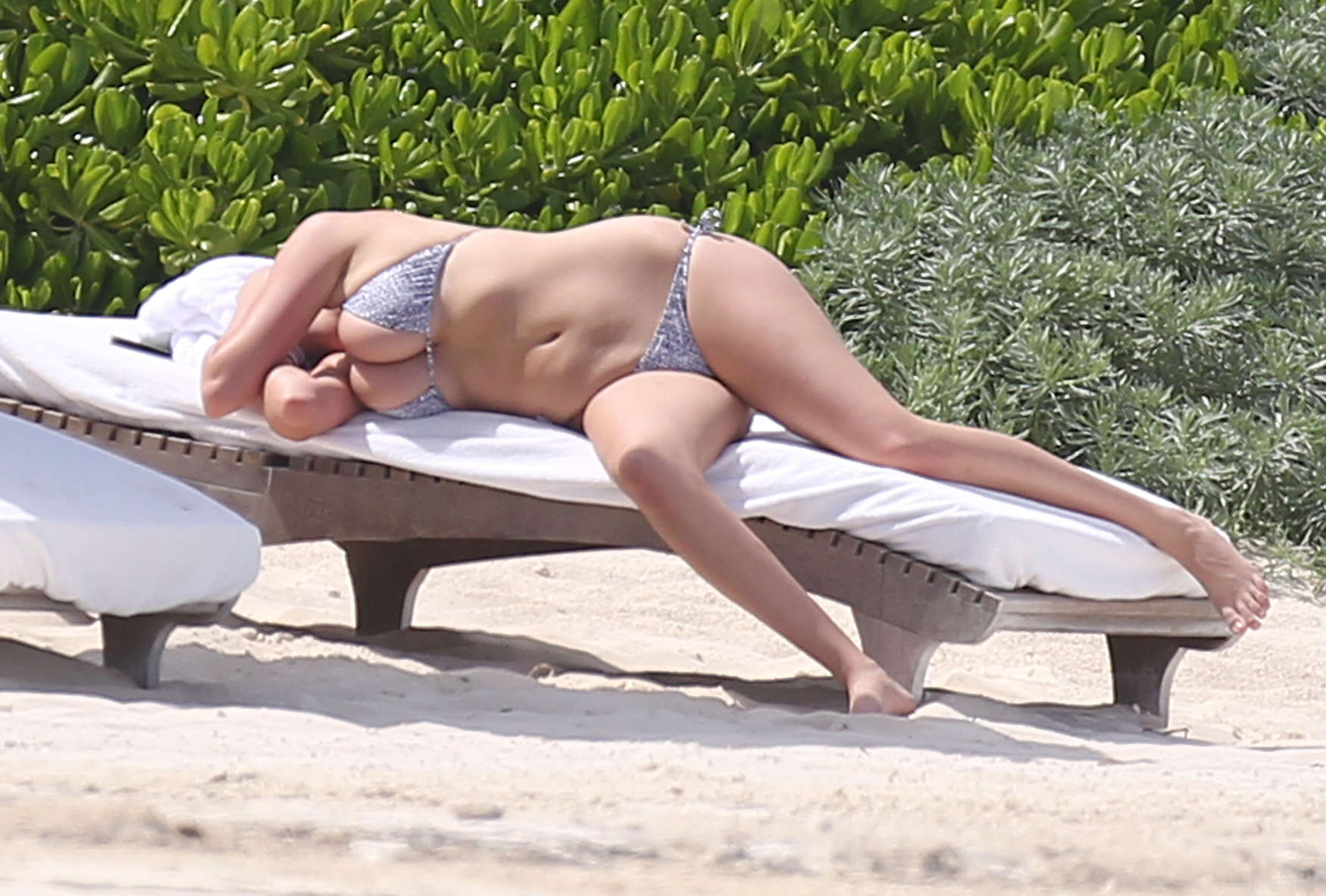 Kate is fat, chunky, flabby and above all overrated