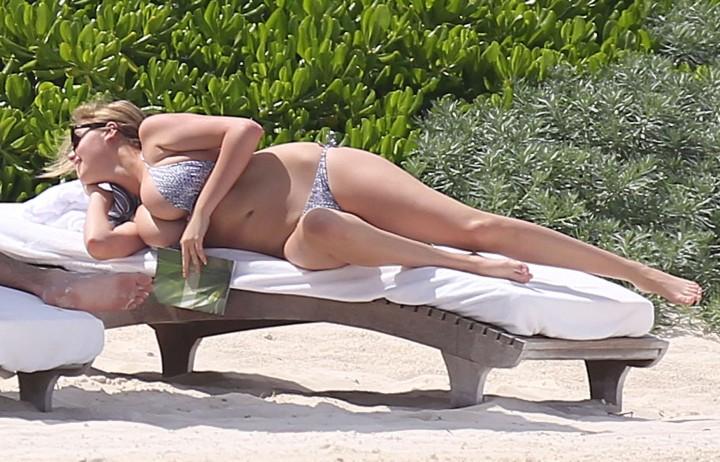 Kate Upton bikini: Mexico 2014-13