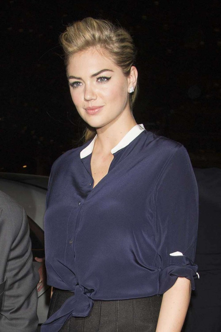 Kate Upton in Mini Skirt -02