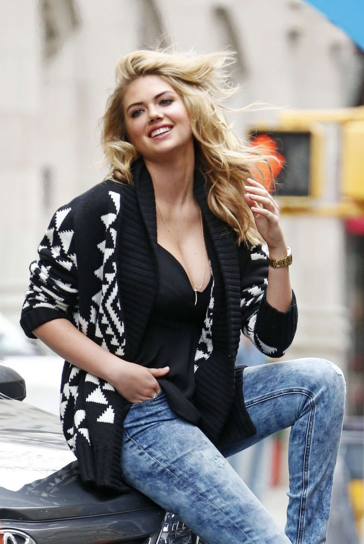 Kate-Upton-Street-Photoshoot-in-NYC--30-