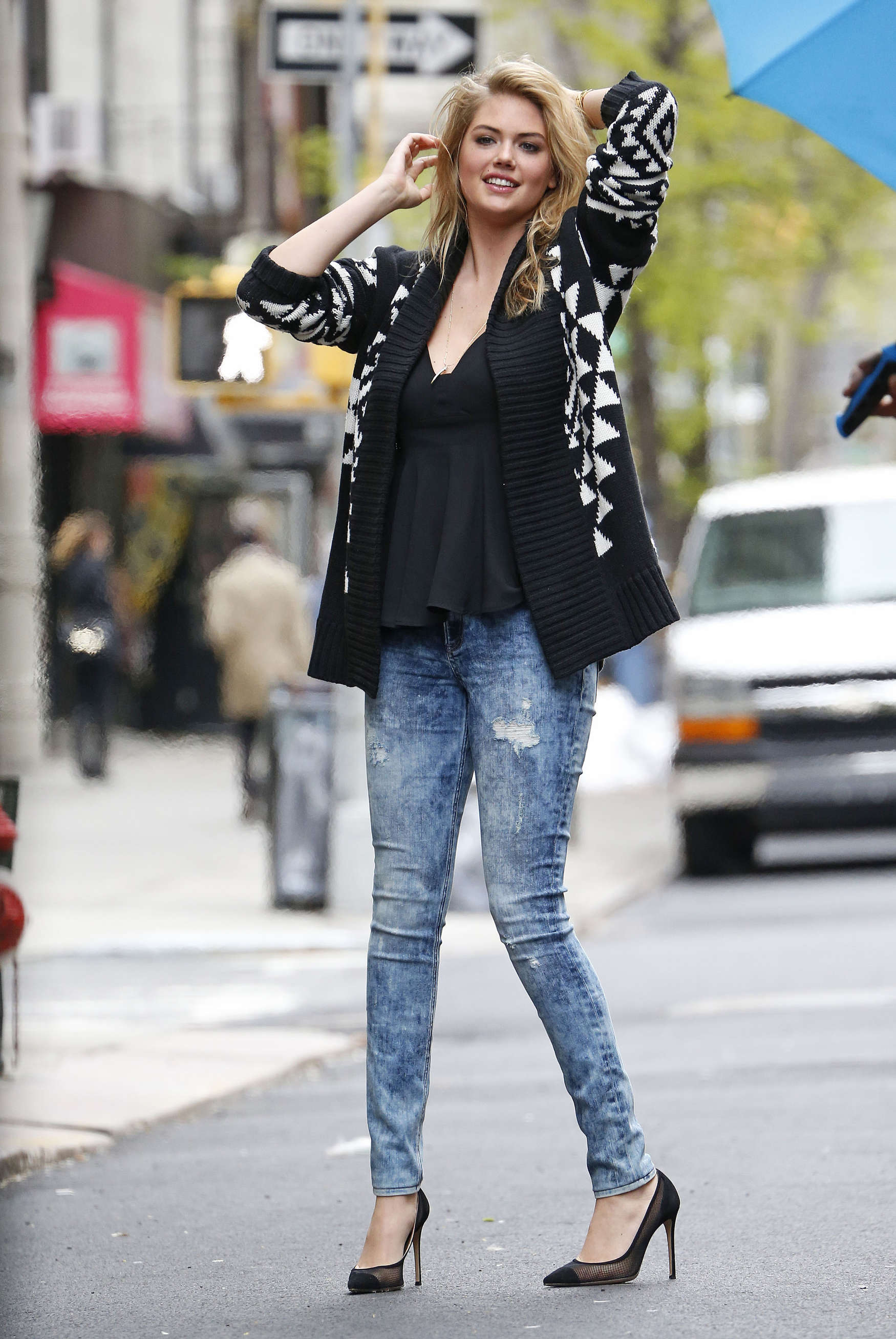 kate upton street photoshoot in nyc 33 � gotceleb