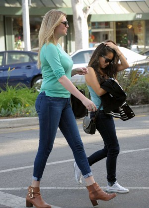 Kate Upton in Tight Jeans out in LA
