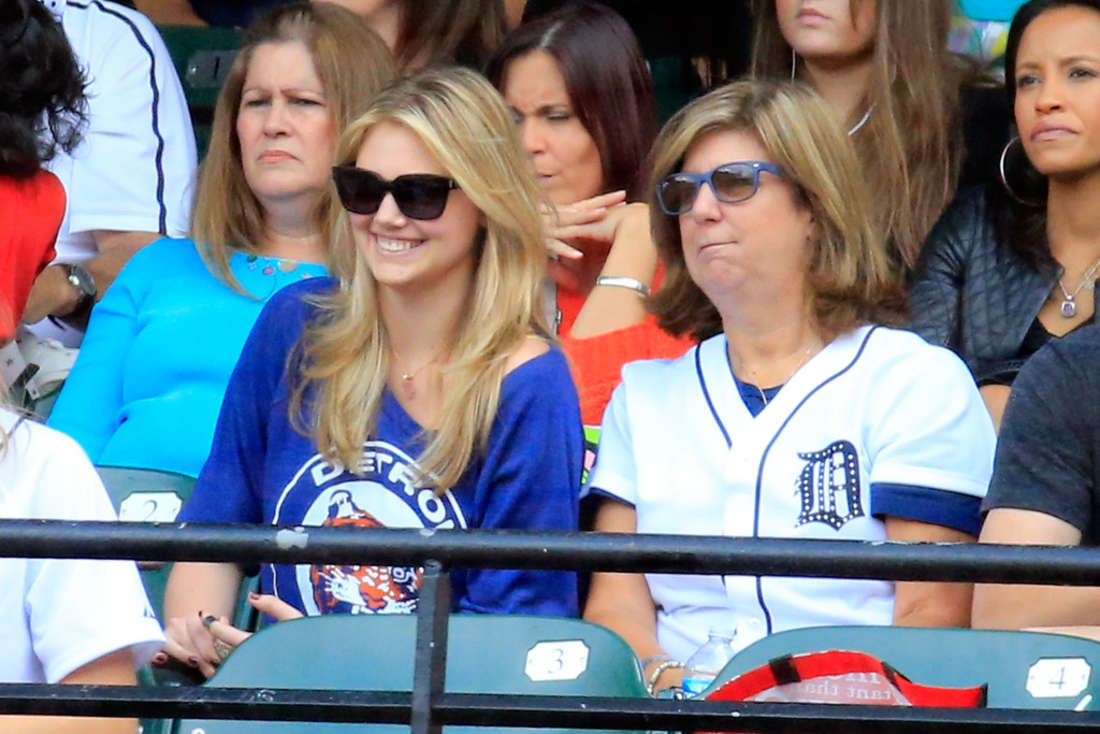Kate Upton - Watching ALDS Game Two, Tigers at Orioles, at Oriole Park in Baltimore