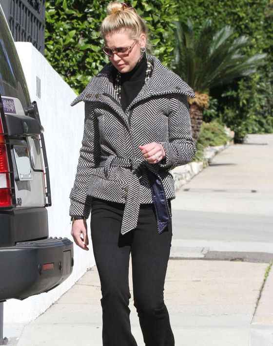 Katherine Heigl in Tight Pants in Los Feliz