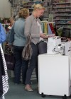 Katherine Heigl - Shopping In L A-11