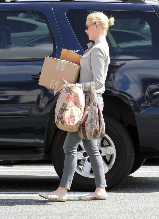 Katherine Heigl – Shopping In L A-12