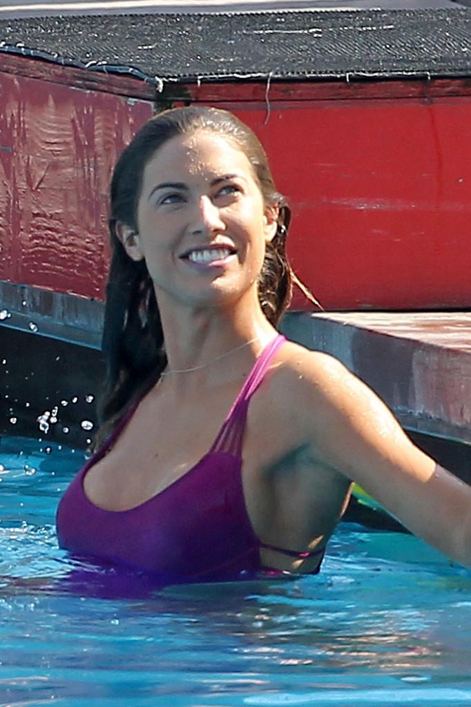 Katherine Webb 2013 : Katherine Webb on the set of  Celebrity Diving -05