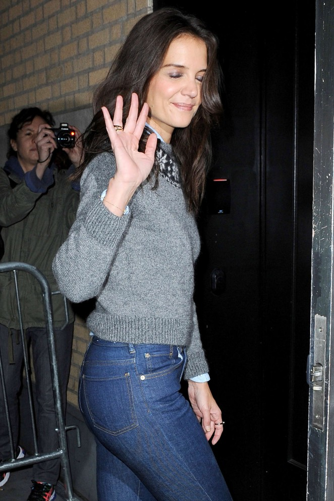 Katie Holmes in Tight Jeans - Arrives at The Apple Store in Soho