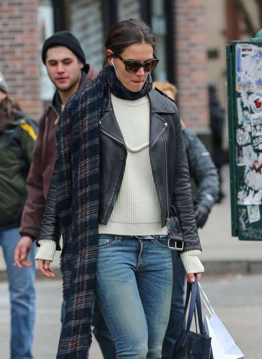 Katie Holmes 2014 : Katie Holmes in jeans -04
