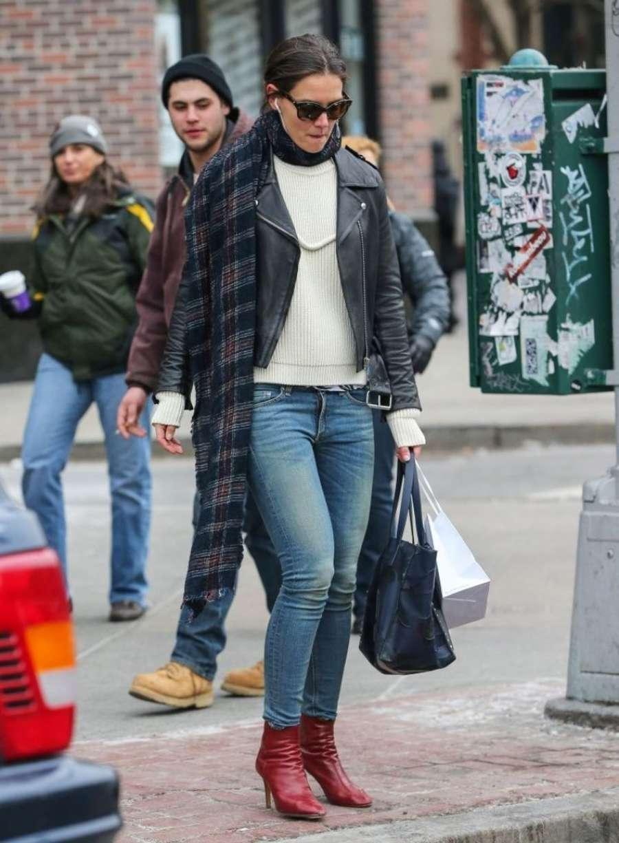 Katie Holmes 2014 : Katie Holmes in jeans -07