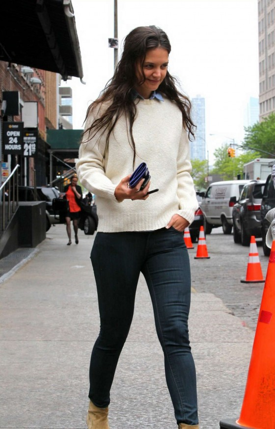 Katie Holmes - Tight Jeans Candids in NY