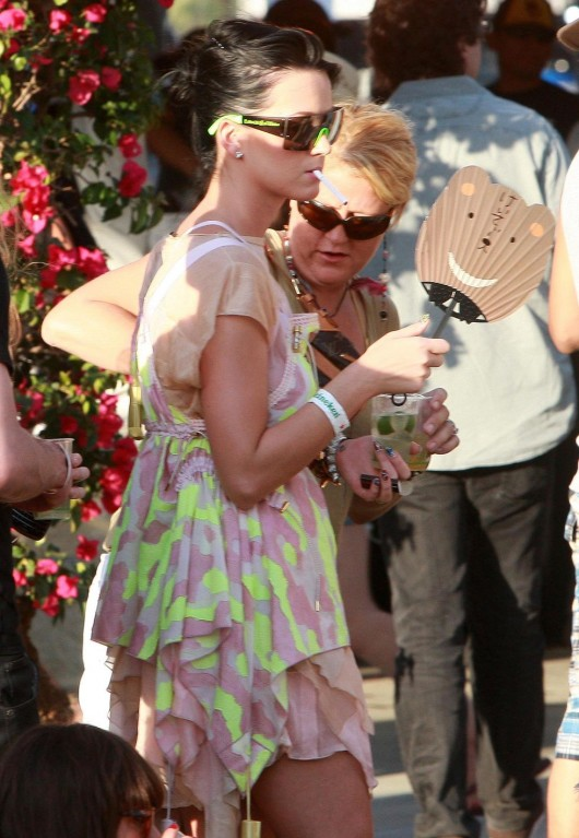 katy-perry-at-coachella-music-festival-day-3-15