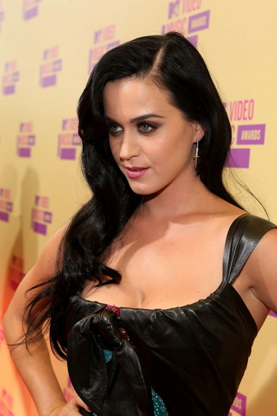 Katy Perry cleavage at MTV Video Music Awards