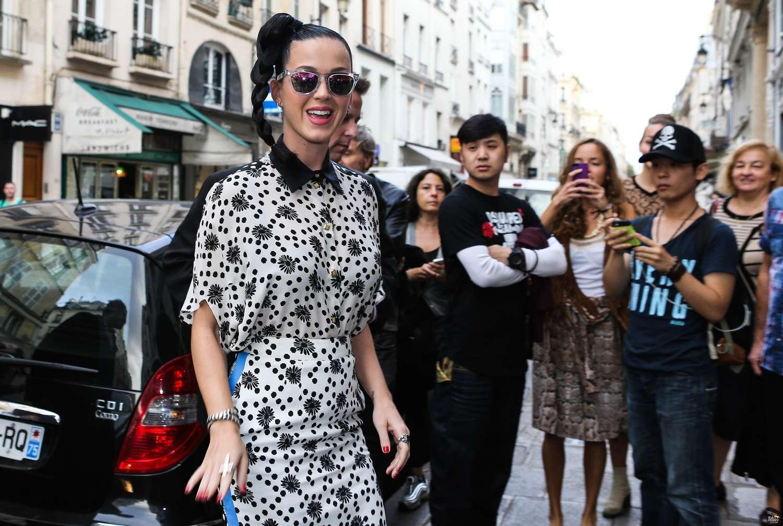 Katy perry at the colette boutique in paris 34 gotceleb - Colette paris magasin ...