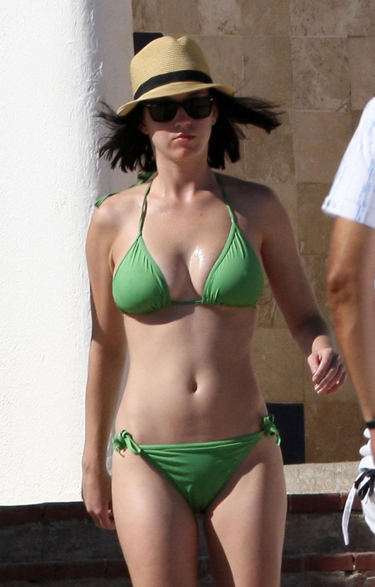 Katy Perry bikini pictures in Mexico