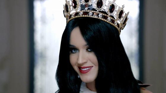 Katy Perry: Fragrance Killer Queen -05