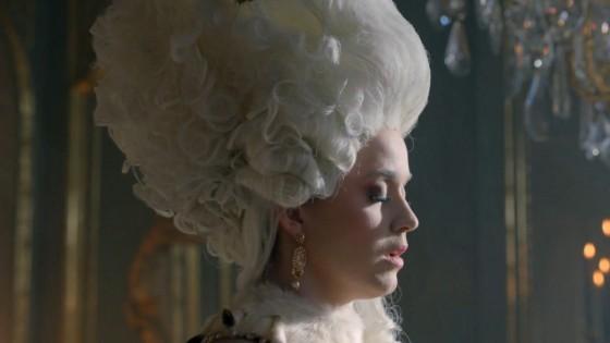 Katy Perry: Fragrance Killer Queen -18