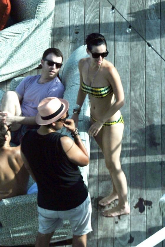 Katy Perry In Bikini At The Pool In Miami 13 Gotceleb