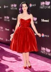 Katy Perry - looks gorgeous, Katy Perry: Part Of Me premiere in Los Angeles-06