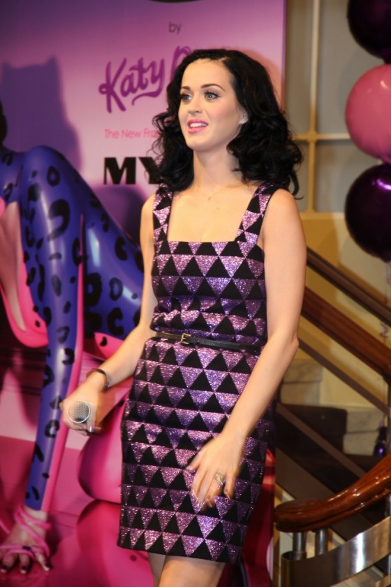 Katy Perry – Launching her new fragrance 'Purr' in Melbourne