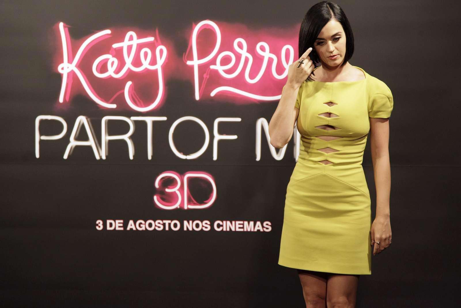 Katy Perry 2012 : katy-perry-photocall-part-of-me-in-rio-de-janeiro-13