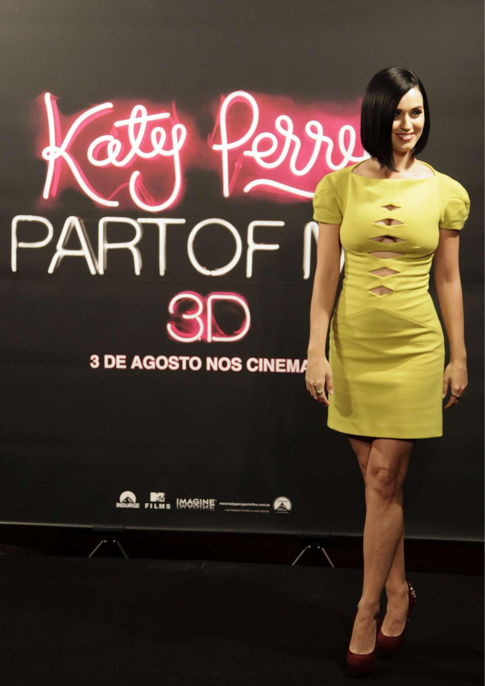 Katy Perry 2012 : katy-perry-photocall-part-of-me-in-rio-de-janeiro-17