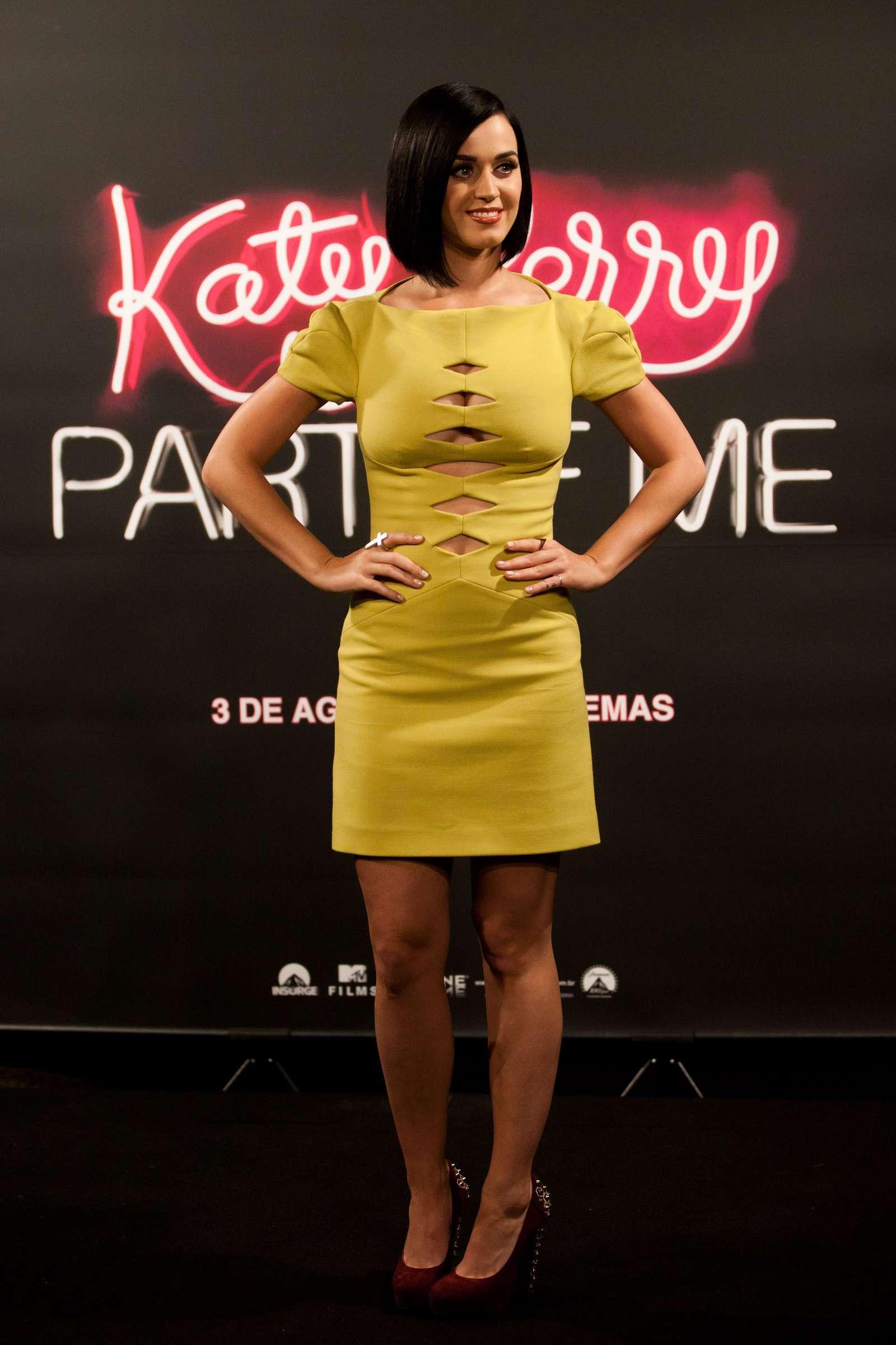 Katy Perry 2012 : katy-perry-photocall-part-of-me-in-rio-de-janeiro-19
