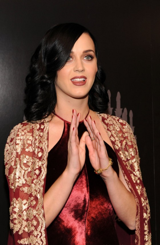 Katy Perry – The 9th Annual UNICEF Snowflake Ball in NY