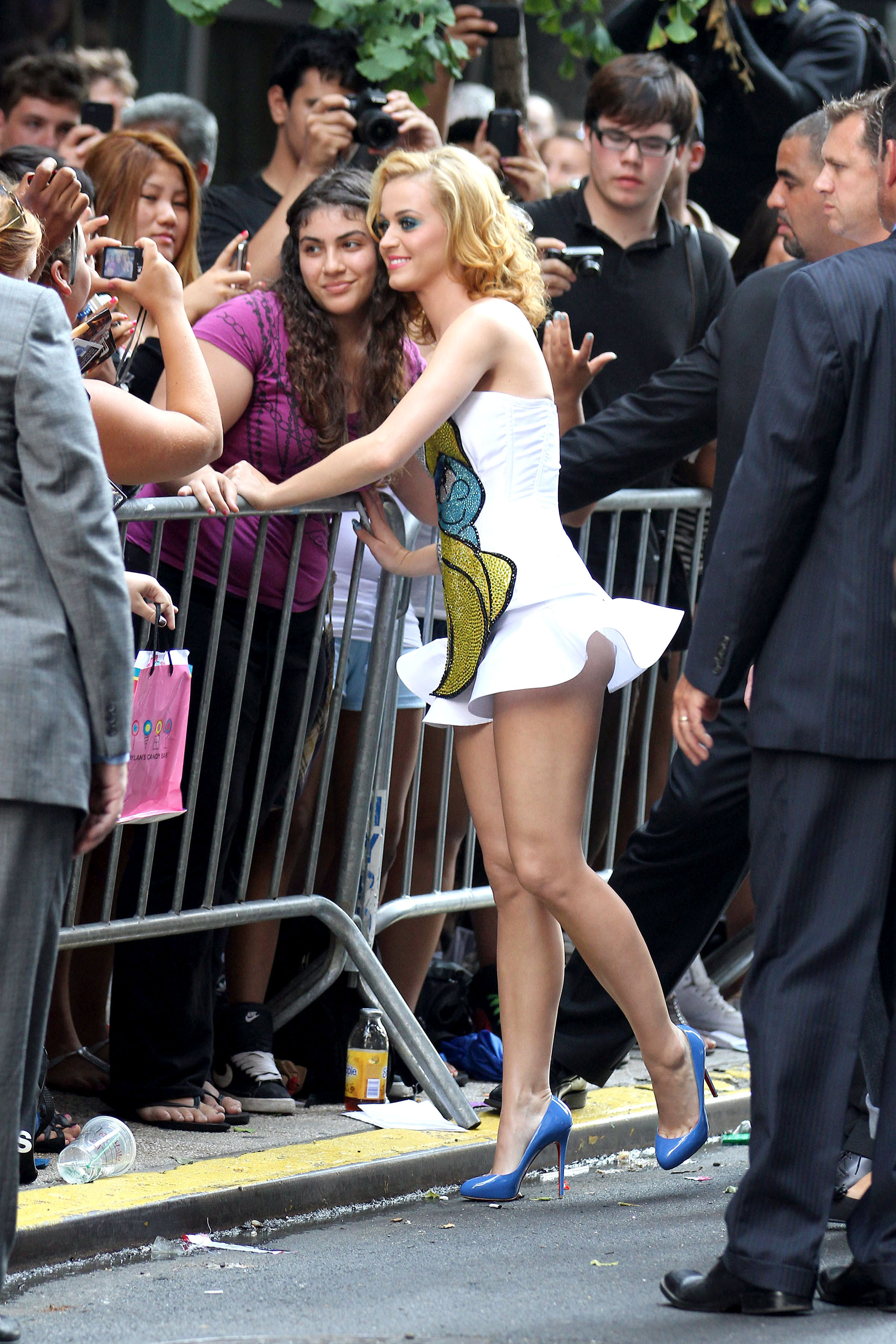 katy-perry-the-smurfs-3d-premiere-in-new