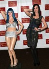 Katy Perry Unvels Wax figure at Madame Tussauds-21