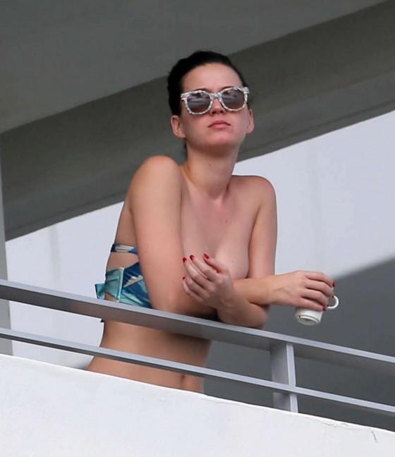Katy Perry Bikini Photos: Miami -04