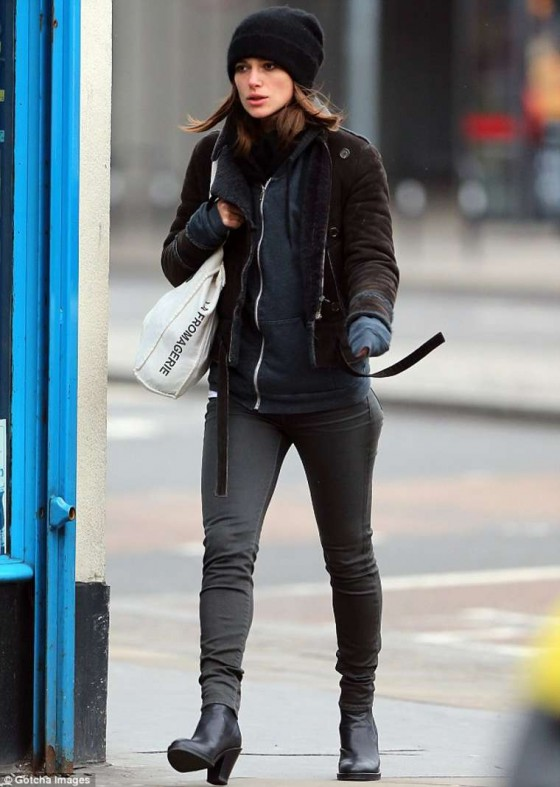 Keira Knightley in London-01
