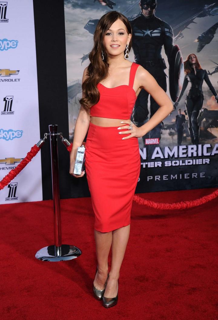 Kelli Berglund – Captain America: The Winter Soldier Premiere -04