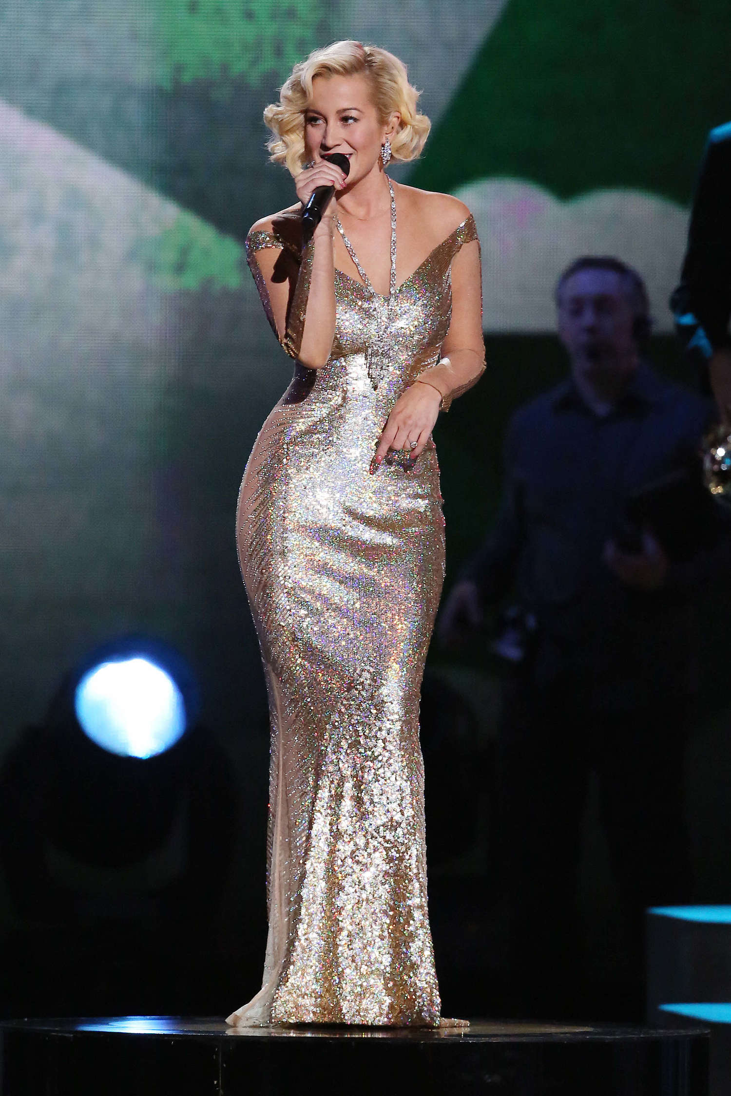 Kellie Pickler 2013 Cma Country Christmas Show Taping 14