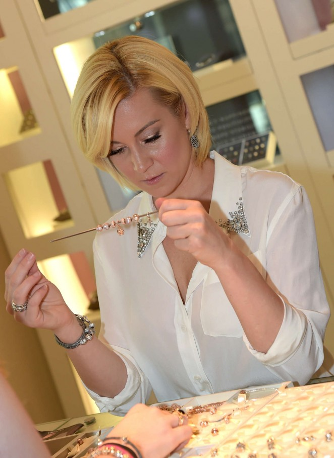 Kellie Pickler - PANDORA Jewelry Best Friends Shopping Spree in Nashville