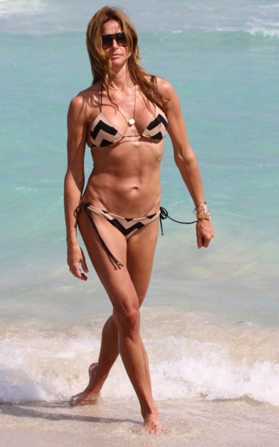 kelly-bensimon-in-a-bikini-on-miami-beach-01