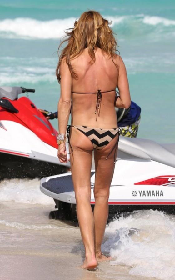 kelly-bensimon-in-a-bikini-on-miami-beach-05