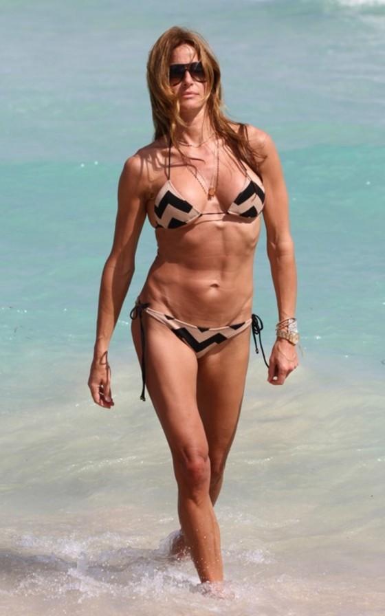 kelly-bensimon-in-a-bikini-on-miami-beach-08