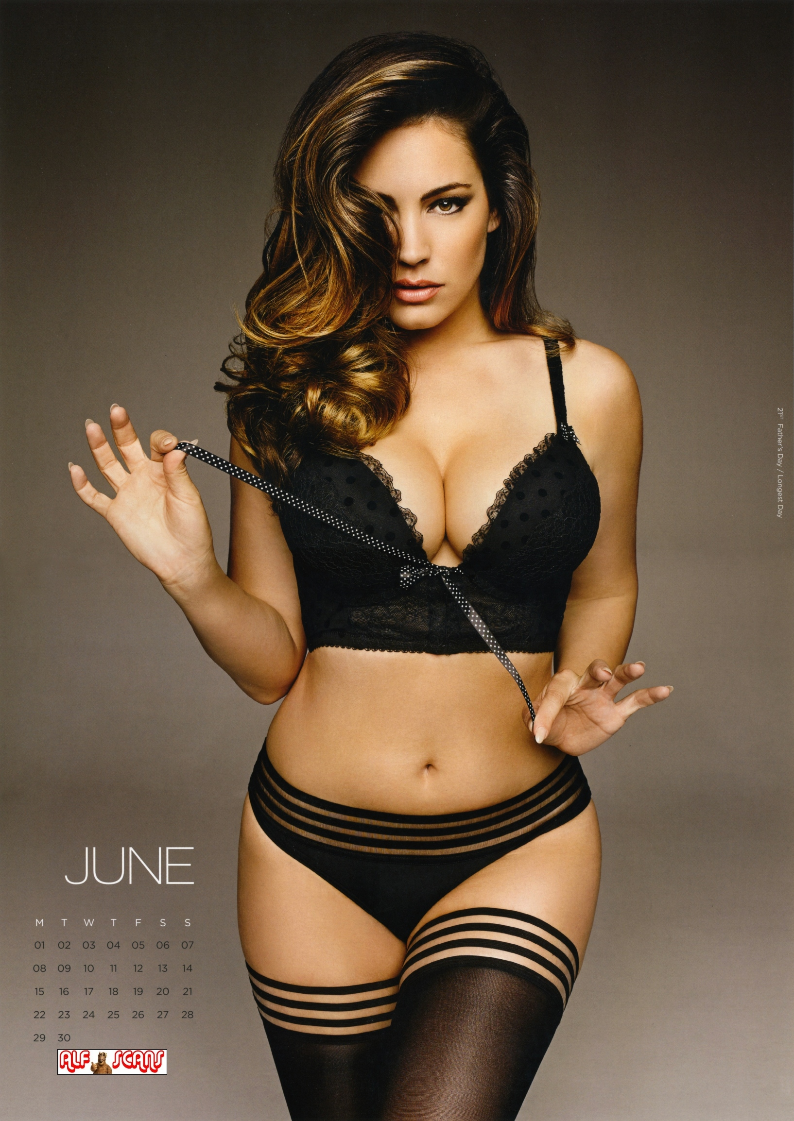 Back to FULL gallery Kelly Brook – 2015 Calendar (HQ Scans)