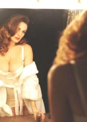 Kelly Brook: Audition Perfume Shoot -02