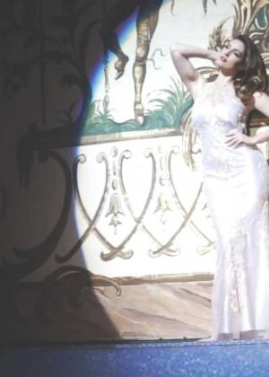 Kelly Brook: Audition Perfume Shoot -04