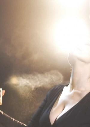 Kelly Brook: Audition Perfume Shoot -11