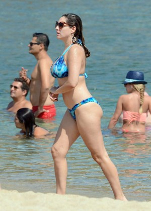 Kelly Brook Hot 85 Bikini Photos -59