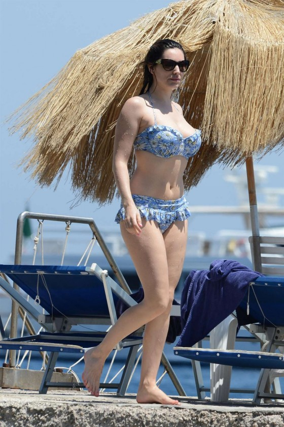 Kelly Brook - Bikini candids in Italy
