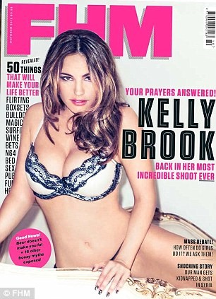 Kelly Brook - In Thong-02