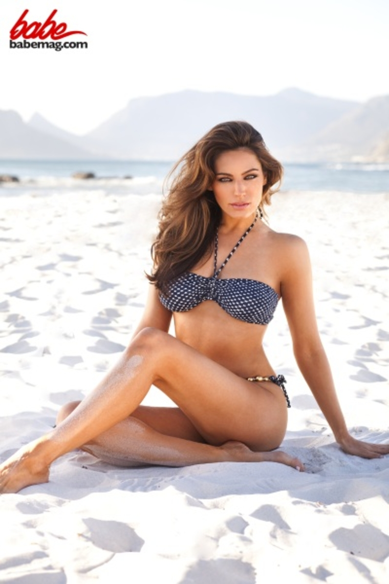 ... From her 2011 Calendar Photoshoot (LQ) - Full Size Pictures : GotCeleb