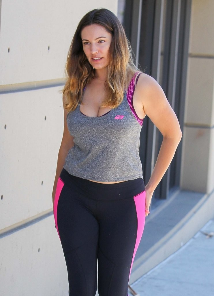 Kelly Brook In Tights Going To The Gym In La Gotceleb