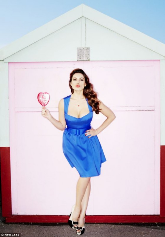Kelly Brook – Modelling her New Look line