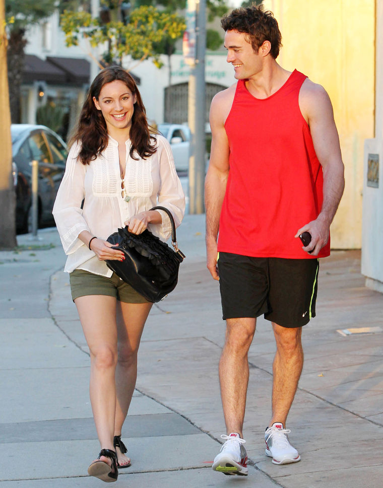 Kelly Brook 2011 : kelly-brook-nice-legs-in-la-05