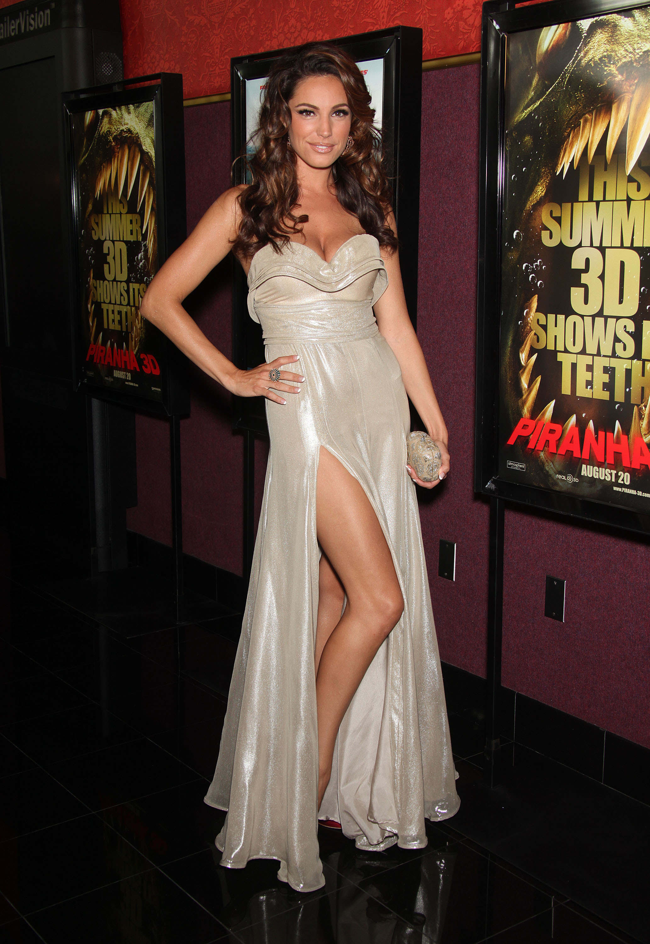 kelly-brook-pics-from-piranha-3d-premiere-in-hollywood-27 - GotCeleb
